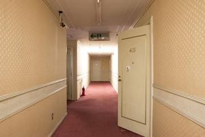 2_hallway_S